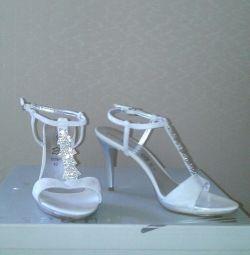 sandale r.40 noi