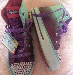 Skechers. Pantofi strălucitori NEW.
