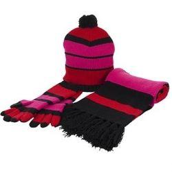Hat, eșarfă și mănuși