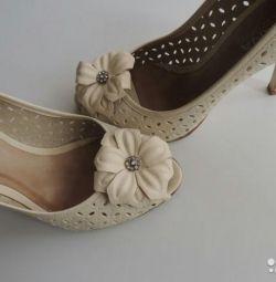 Chic δερμάτινα παπούτσια