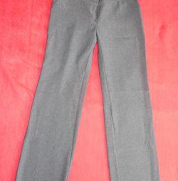 Pantaloni 44-46 dimensiuni pentru înălțime de la 170cm.
