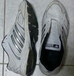 Sneakers 44size used.