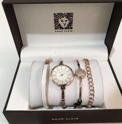 Saat ve bilezik seti Anne Klein