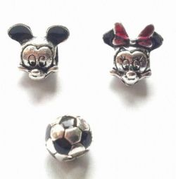 Inspiră Disney Minnie și Mickey Mouse.