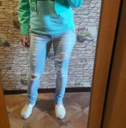 Turquoise shortened jeans p 40-42