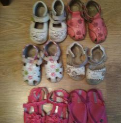Bir kız için ayakkabılar. Bedava