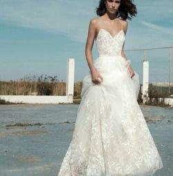 Свадебное платье в стиле бохо Carrie Flora Bridal