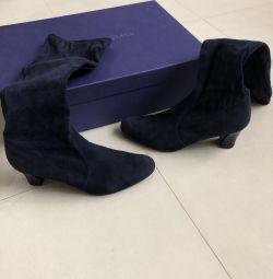 Stuart weitzman boots size 37