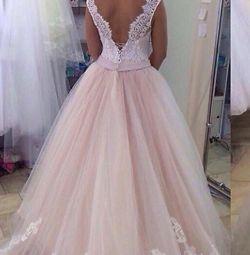 Стильні нові весільні сукні