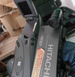 Видеокамера Hitachi VM-8480LE  Фоpмaт зaписи:VНS