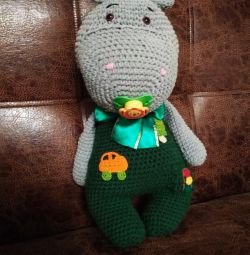 Knitted hippo. 45cm
