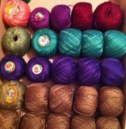 Threads Iris