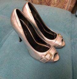 US Shoes