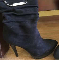 Boots / boots. Very stylish model