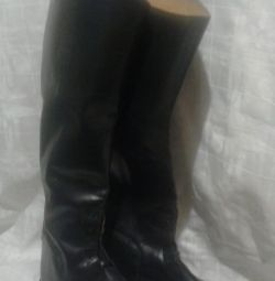 Boots for riding