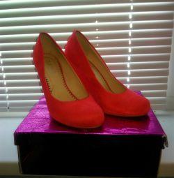 Pantofi din piele de căprioară dimensiunea 37