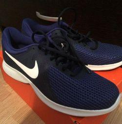 Pantofi Nike pentru bărbați