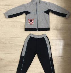Спортивный костюм на мальчика 2-3 лет