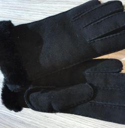 New black gloves UGG Original S