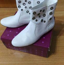 Θα δώσω μπότες Centro