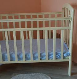 Ліжечко дитяче з маятником