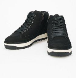 Ботинки зимние новые KEDDO
