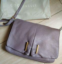 Το πρωτότυπο. Γυναικεία τσάντα Coccinelle