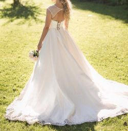 Vânzarea / închirierea unei rochii de mireasă șic