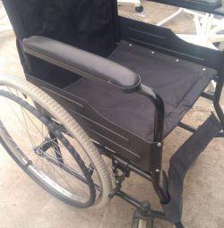 χρησιμοποιημένη πτυσσόμενη αναπηρική καρέκλα