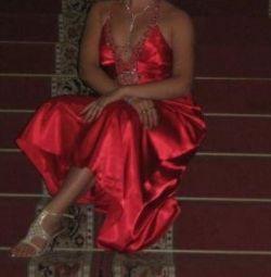 Βραδινό φόρεμα χορού