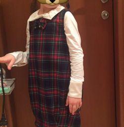 Sundress για το κορίτσι. Σχολικά ρούχα.