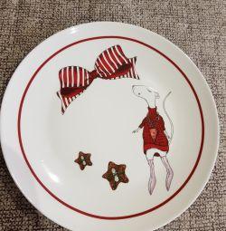 Обеденная детская тарелка
