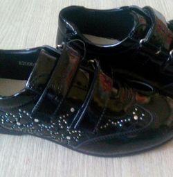 черевики НОВІ