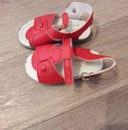 Sandale noi pe branț 12,5-13cm