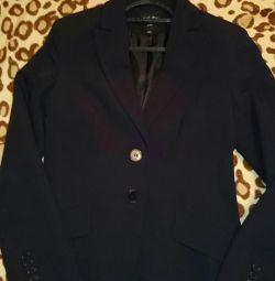 Пиджак практически новый