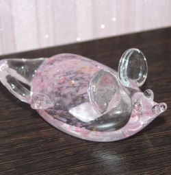 Glass mouse figurine