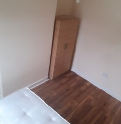 Double Room for rent £500 PM