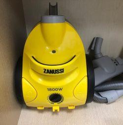 Zanussi ZANS710 vacuum cleaner