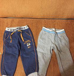 Pantaloni și pantaloni scurți pentru un băiat de 2-3 ani