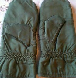 Ζεστά γάντια