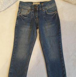 Jeans pentru 3 ani. nou