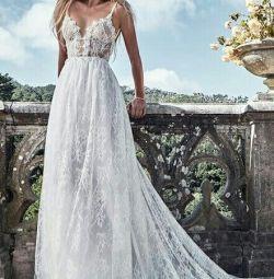 Свадебное платье в стиле бохо Solo Merav