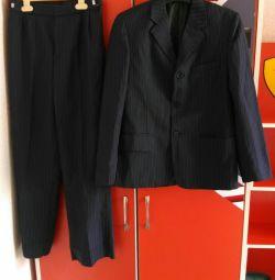 Новый синий в полоску костюм двойка р.146-152