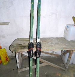 Wooden skis
