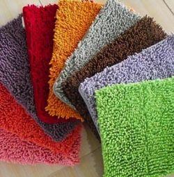 Soft bathroom mats