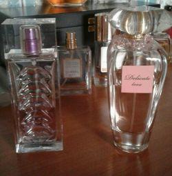 Kadınlar için parfüm.