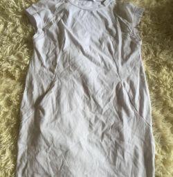 Καλοκαιρινό λευκό φόρεμα