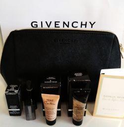 Truse Clinique, Givenchy
