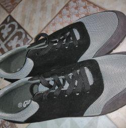 Sneaker husband