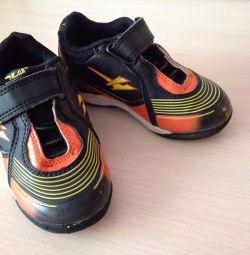 Spor Ayakkabı 23 s